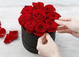 Rote Rosen in Hutbox
