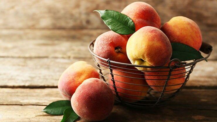 August ist Monat des Pfirsichs