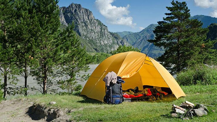 Camping im Zelt in der Natur